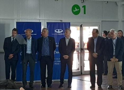 VIVO: Macri recibe el vuelo directo Puerto Iguazú-Madrid