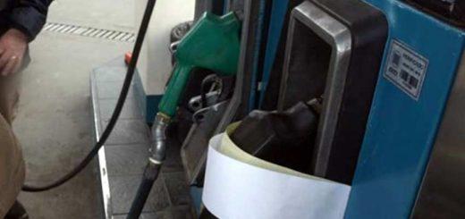 El Gobierno negociará un acuerdo con las petroleras para congelar el precio de los combustibles