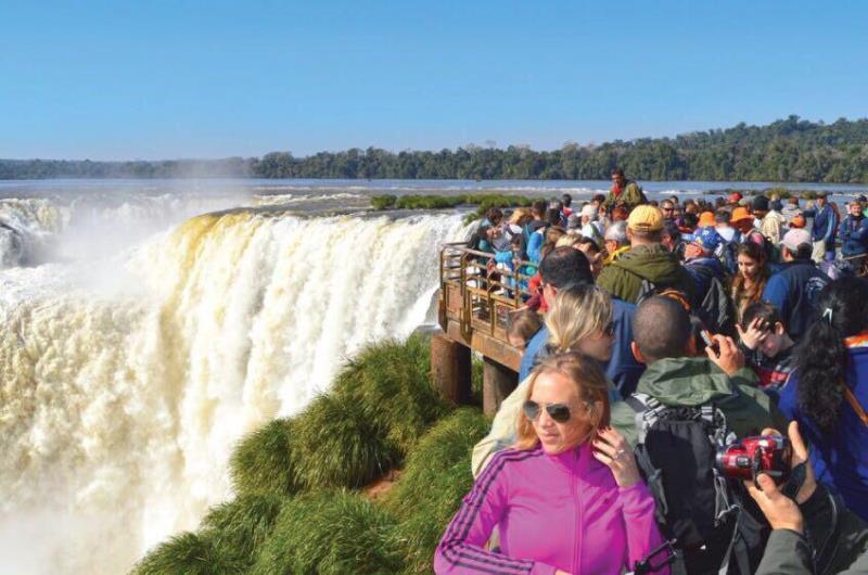 En las Cataratas del Iguazú iniciarán obras que triplicarán los servicios para los turistas, con especial cuidado en el medio ambiente