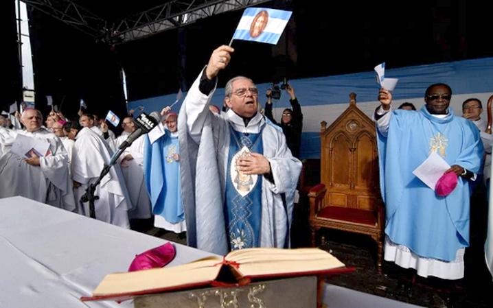 Después de las medidas anunciadas por Mauricio Macri, la Iglesia pide que se prioricen a los pobres