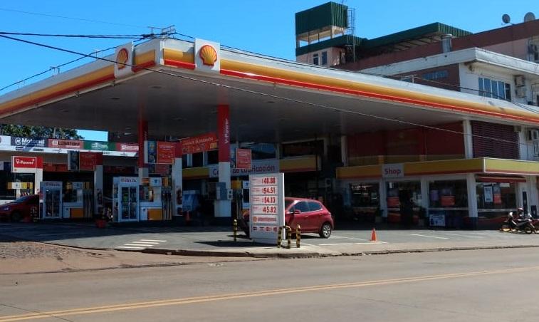 En Posadas se mantienen los precios de los combustibles tras la suba del dólar