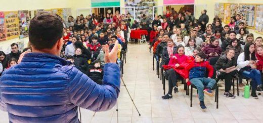 """""""Nuestros talentos"""" eligió a los diez finalistas en Santo Pipó"""