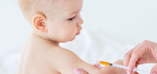 """""""Vacunarse previene enfermedades más graves"""", remarcó el doctor Manuel Riera"""