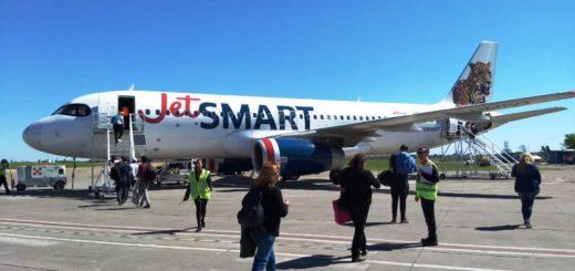 JetSMART canceló 4 rutas y modificó frecuencias para sus vuelos en el país como resultado de la restricción horaria en El Palomar