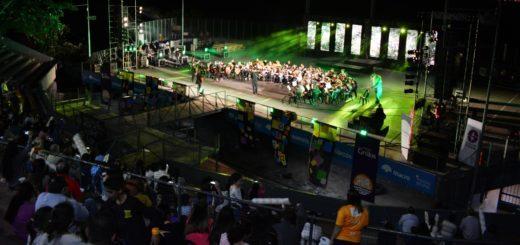 En la previa del concierto final, el Festival de las Dos Orillas vivió su quinta jornada en el Anfiteatro Manuel Antonio Ramírez