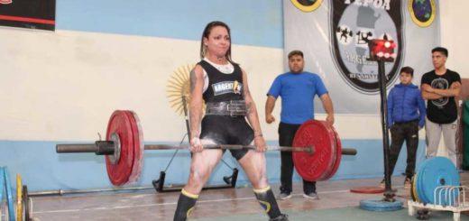 La misionera Carina Chávez viaja a Colombia para participar del Campeonato Panamericano de Powerlifting