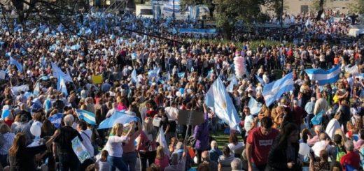 """Macri lanzó su campaña con la marcha del #SíSePuede: """"Si esto no lo resolvemos nosotros no lo resuelve nadie"""""""