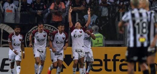 Colón hizo historia en Brasil: venció a Mineiro por penales y jugará la final de la Copa Sudamericana