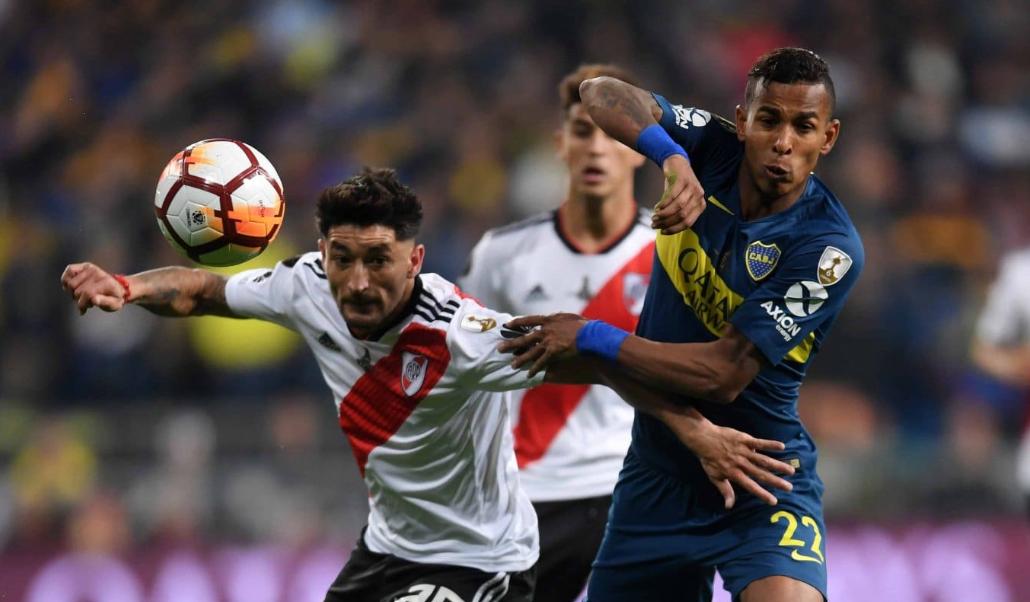 Con Nacho Fernández y sin Tevez, River y Boca confirmaron los once