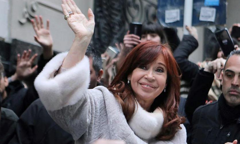 Cristina Kirchner viaja de forma sorpresiva a Cuba para visitar a Florencia