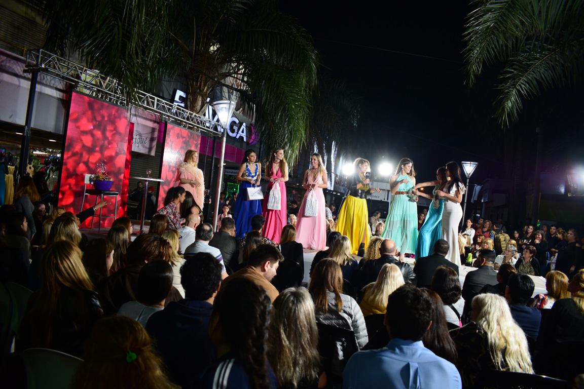 Las Madelaire coparon la calle San Lorenzo con su tradicional desfile