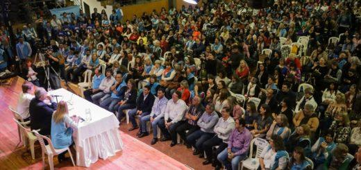 """""""Queremos una educación a la misionera"""", insistió Passalacqua en multitudinario Congreso Docente en Capioví"""