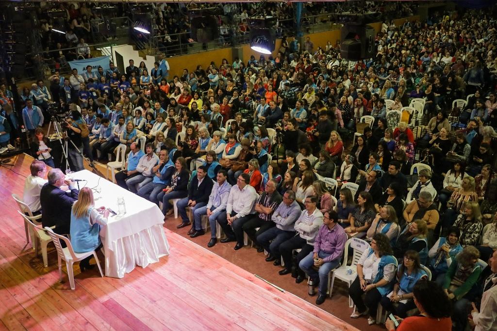 «Queremos una educación a la misionera», insistió Passalacqua en multitudinario Congreso Docente en Capioví