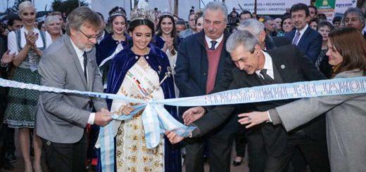 """""""Esta es la más argentina de las fiestas"""", dijo Passalacqua en la jornada inaugural de la edición 40 de la Fiesta Nacional del Inmigrante"""
