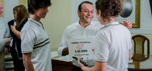 """Herrera Ahuad recibió a los ganadores de """"Por los Jóvenes, Todo"""" y destacó la generación de políticas para este sector"""