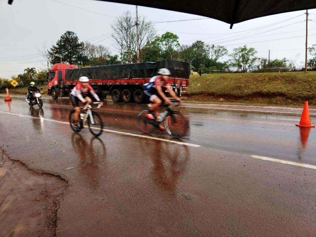 Vuelta a Misiones 2019: se corre la segunda etapa bajo una intensa lluvia