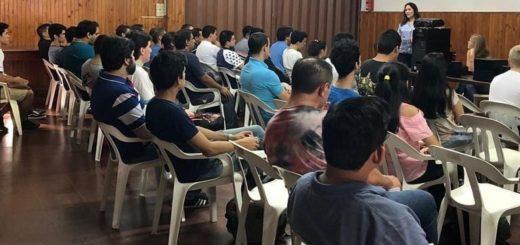 Educación: brindan tutorías en informática avanzada