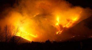 Incendios en Córdoba: están controlados en un 60%, pero el viento dificulta su combate