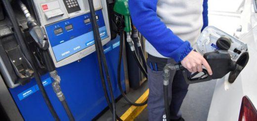 El Gobierno puso fin al congelamiento de la nafta y autorizó un aumento del 4%
