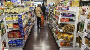 Sondeos afirman que la quita del IVA en alimentos solo impactó en las grandes cadenas de supermercados