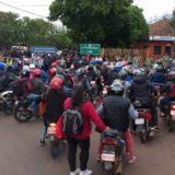 Paseros paraguayos anuncian que continuarán protestando contra normativa que les impide importar frutas y hortalizas argentinas