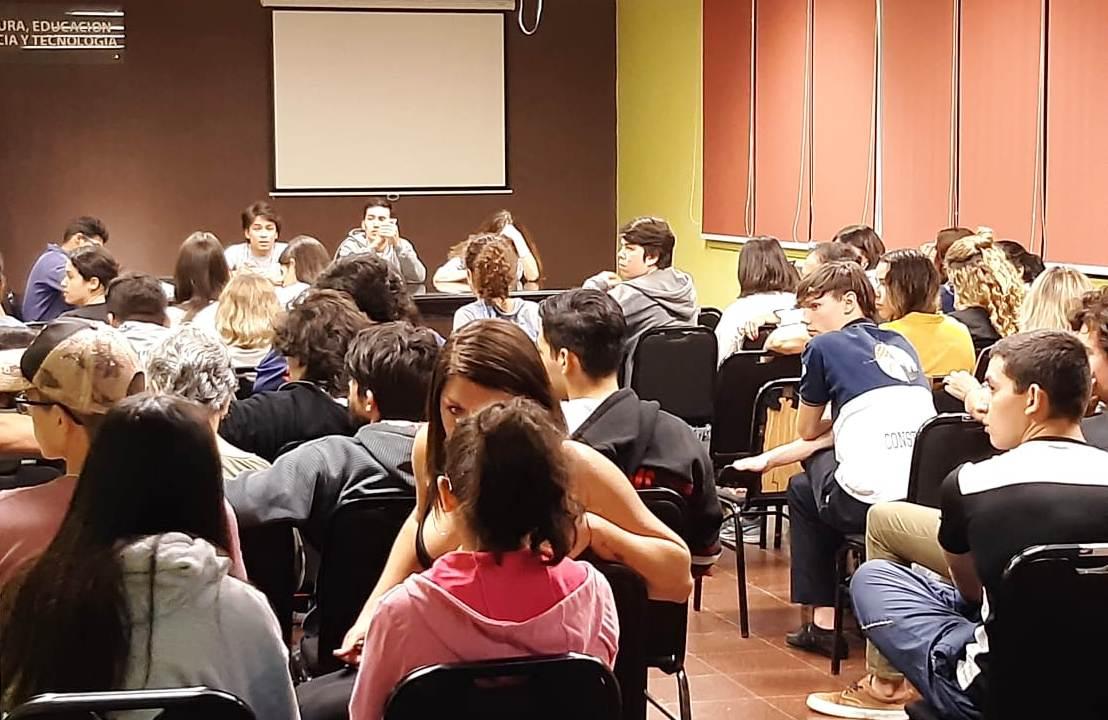 APES define el futuro de la Estudiantina 2019 en una reunión