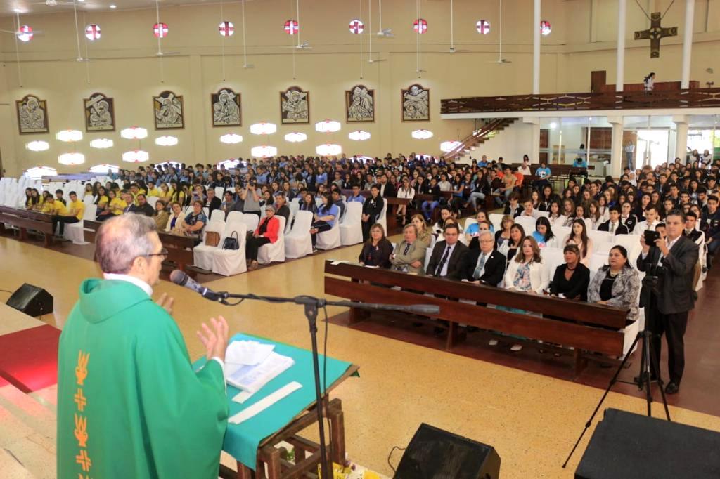"""El Papa Francisco hizo llegar un fuerte mensaje a los jóvenes de la Argentina y Paraguay: """"Anímense a convertirse enlíderes ambientales para defender el presente y el futuro de la tierra"""""""