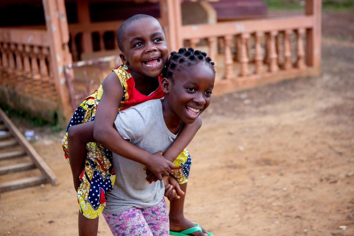 En el mundo, más de 1,3 mil millones de personas viven en la pobreza