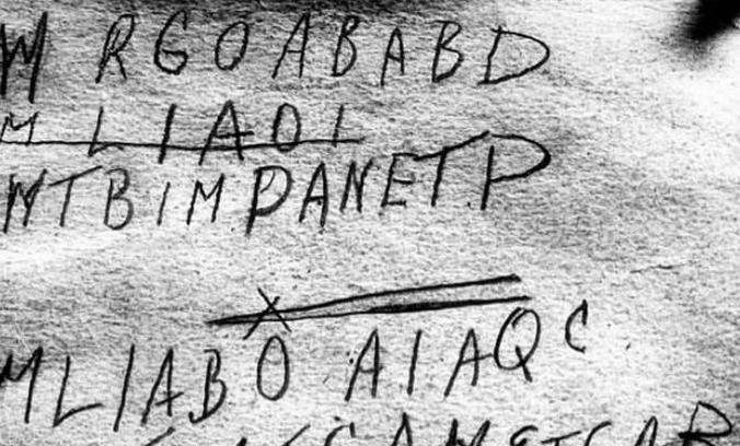 Un misterio de 70 años a punto de resolverse: ¿quién era este hombre y por qué llevaba un código secreto?