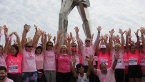Octubre mes rosa: mirá todas las fotos de la maratón de #ActitudMisiones que se hizo hoy en la Costanera de Posadas