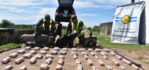 Dos posadeños fueron detenidos en Corrientes con 52 kilos de marihuana escondida en su auto
