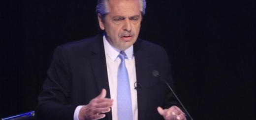 """Alberto Fernández: """"Espero que el lunes Macri no se vuelva a enojar y llame al Banco Central para liberar el dólar"""""""
