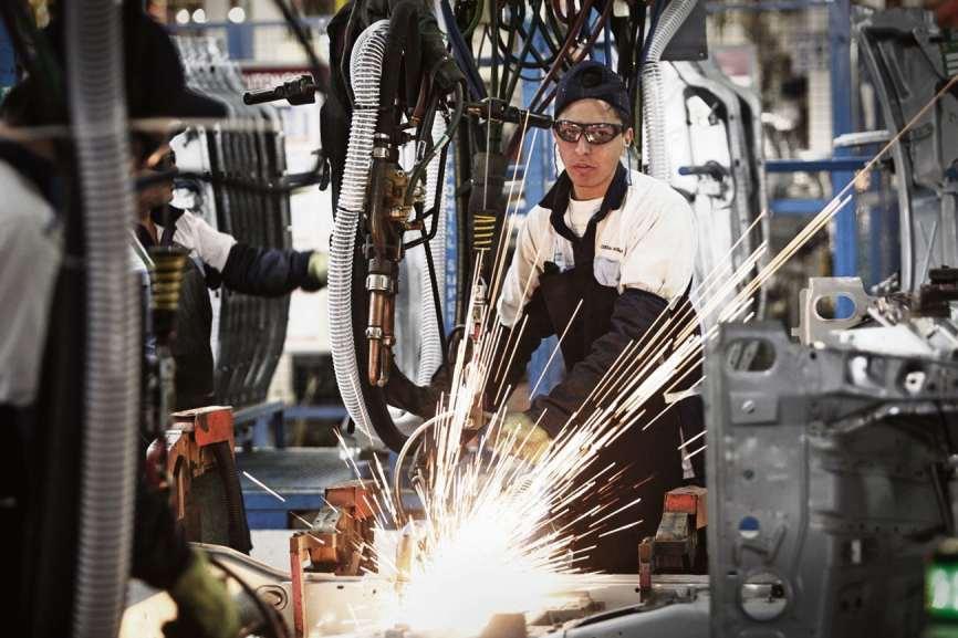 La economía cayó 3,8% en agosto