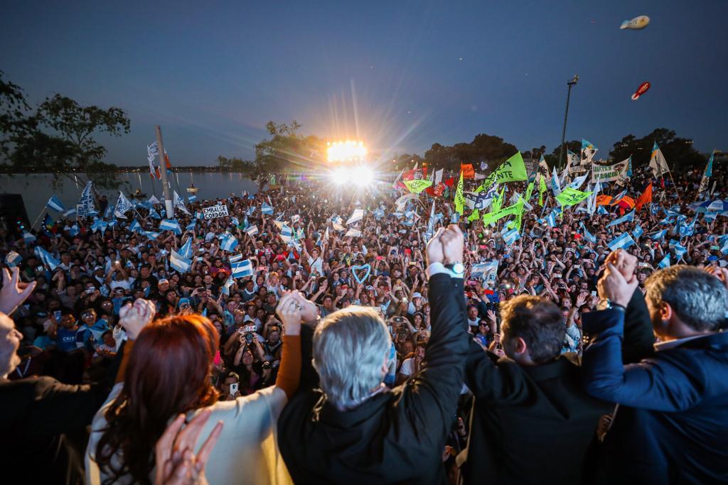Alberto Fernández cerró su campaña: «Con Cristina vamos a poner de pie a la Argentina»