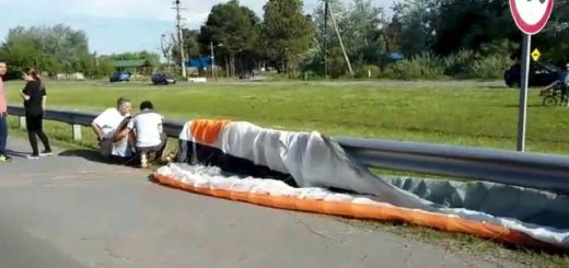 Un parapentista cayó sobre la autopista y murió atropellado en Luján