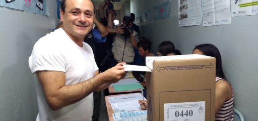 Elecciones2019: votó Herrera Ahuad y destacó la voluntad del misionero por emitir su voto y el clima de paz en la provincia