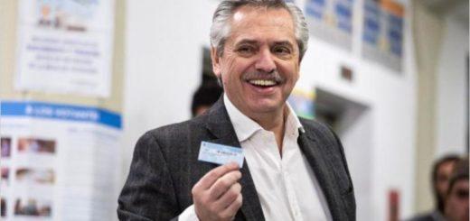 Según las primeras tendencias, Alberto Fernández ganaría por amplio margen la elección