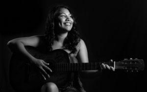 La cantante Paola Leguizamón con múltiples presentaciones en noviembre
