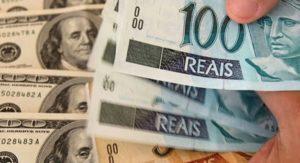 El Central confirmó que no abrirá el cepo a turistas que quieran comprar dólares o reales