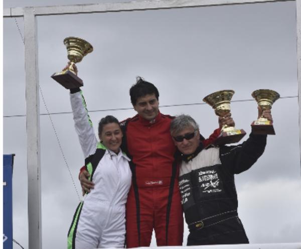 Histórico: Leticia Ponce de León logró el primer podio de una mujer en el automovilismo misionero en Pista