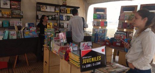 Esta tarde cierra la Feria del Libro Ciudad de Posadas con presencia de escritores y espectáculos musicales