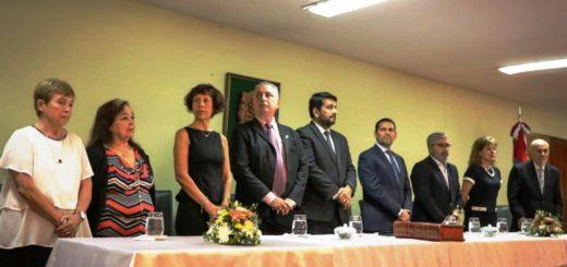 El Gobernador Hugo Passalacqua junto al presidente del STJ misionero tomaron juramento a 8 nuevos magistrados