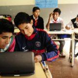 Jóvenes se capacitan en el Polo TIC en el Hackathón para su inserción laboral