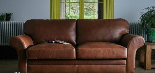 Sorpresa: compró un sofá en oferta y en su interior encontró una reliquia legendaria