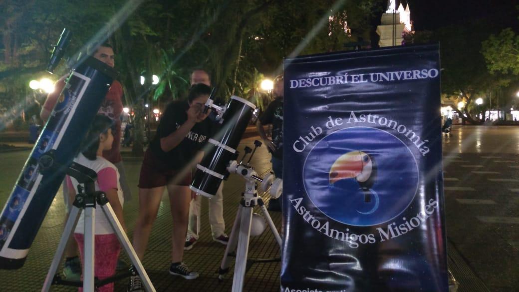 Se celebró la Noche Internacional de Observación de la Luna en Posadas