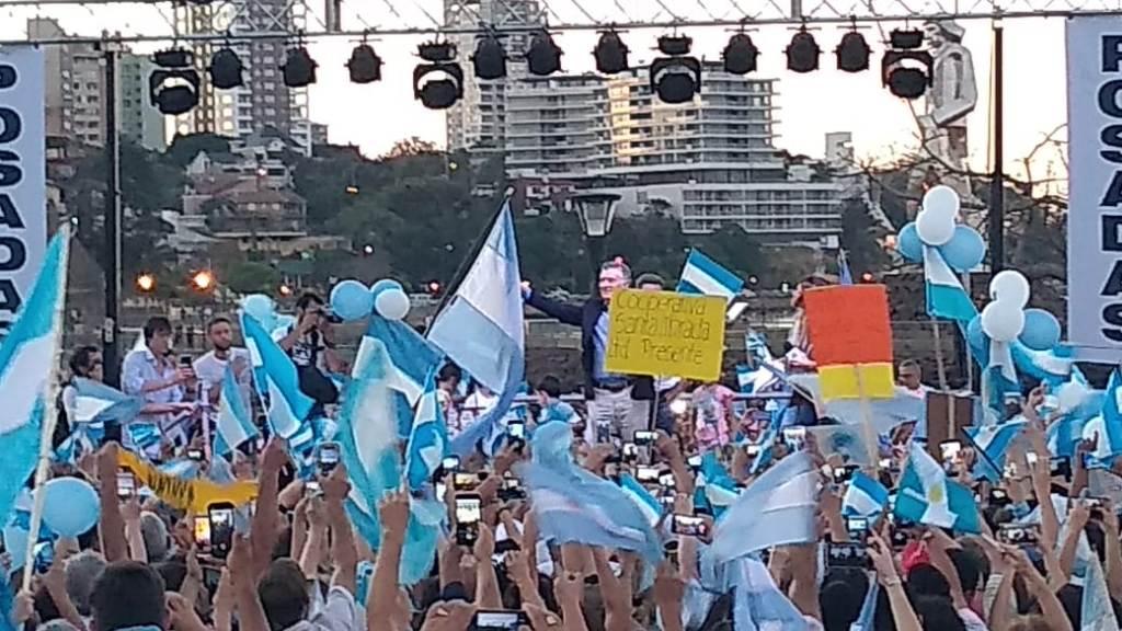 """""""Todos a votar"""", la reiterada convocatoria en Posadas que lanzó Macri a los argentinos para tratar de revertir los resultados de las PASO"""