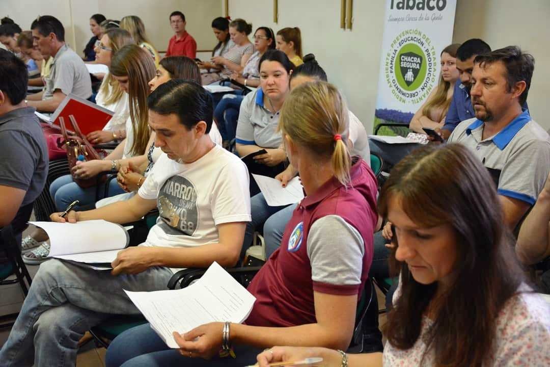 Finalizaron las capacitaciones a docentes de zonas tabacaleras