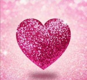 Mes de prevención del cáncer de mama: un corazón rosado para sumarse a la campaña