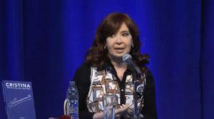 """Cristina Kirchner: """"Nos acusaban a nosotros de planeros y este gobierno tiene el doble de planes sociales"""""""