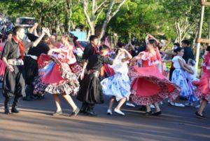 Con más de 500 bailarines se realizó en Apóstoles un nuevo Encuentro de Danzas Interprovinciales